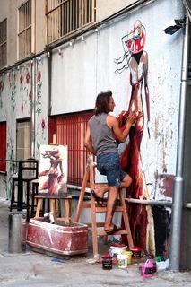 街角て_絵を描く青年.jpg